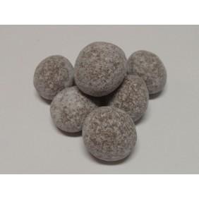 Příklady různých variant úpravy makadamiových ořechů